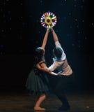 Μεγάλος ανεμόμυλος-σύζυγος-σύγχρονος χορός Στοκ φωτογραφίες με δικαίωμα ελεύθερης χρήσης