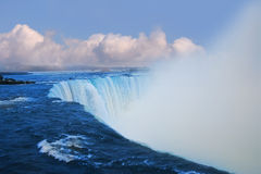 Μεγάλος καταρράκτης με τον ατμό Στοκ φωτογραφίες με δικαίωμα ελεύθερης χρήσης