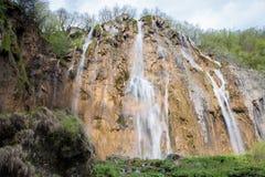 Μεγάλος καταρράκτης στην εθνική ισοτιμία λιμνών Plitvice στην Κροατία Στοκ φωτογραφίες με δικαίωμα ελεύθερης χρήσης
