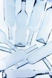 Μεγάλος σωρός των κενών μπουκαλιών κρασιού γυαλιού Στοκ φωτογραφία με δικαίωμα ελεύθερης χρήσης