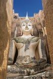 Μεγάλο άγαλμα του Βούδα στο ιστορικό πάρκο Sukhothai Ναός Srichum, Ταϊλάνδη Στοκ φωτογραφία με δικαίωμα ελεύθερης χρήσης