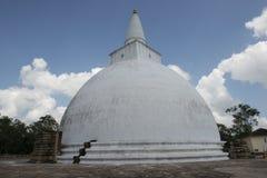 Μεγάλο άσπρο Dagoba Anuradhapura, Σρι Λάνκα Στοκ εικόνα με δικαίωμα ελεύθερης χρήσης