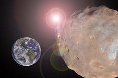 Μεγάλο αστεροειδές κλείσιμο στο γήινο πλανήτη Έννοια αποκάλυψης Στοκ Εικόνες