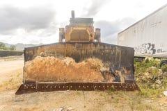 Μεγάλο εγκαταλειμμένο τρακτέρ κατασκευής Στοκ εικόνες με δικαίωμα ελεύθερης χρήσης