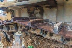 Μεγάλο εγκαταλειμμένο τρακτέρ κατασκευής Στοκ φωτογραφία με δικαίωμα ελεύθερης χρήσης