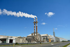 Μεγάλο εργοστάσιο λιπάσματος Στοκ Φωτογραφία