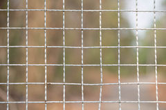 μεγάλο δικτυωτό πλέγμα σιδήρου πυλών φραγών τούβλου διακοσμητικό Στοκ Εικόνες