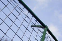 μεγάλο δικτυωτό πλέγμα σιδήρου πυλών φραγών τούβλου διακοσμητικό Στοκ φωτογραφίες με δικαίωμα ελεύθερης χρήσης