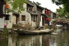 Μεγάλο κανάλι σε Zhouzhuang, Κίνα Στοκ φωτογραφία με δικαίωμα ελεύθερης χρήσης