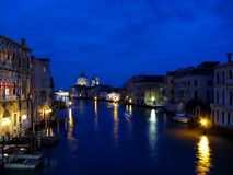 Μεγάλο κανάλι της Βενετίας τή νύχτα Στοκ εικόνες με δικαίωμα ελεύθερης χρήσης