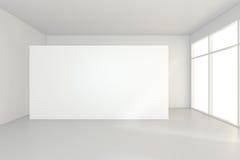 Μεγάλο κενό δωμάτιο με τους μόνιμους πίνακες διαφημίσεων τρισδιάστατη απόδοση Στοκ Εικόνες