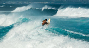 Μεγάλο κύμα στην παραλία Maui Χαβάη Hookipa Στοκ Φωτογραφίες