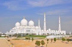 Μεγάλο μουσουλμανικό τέμενος στο Αμπού Ντάμπι/τα Ε.Α.Ε. Στοκ εικόνες με δικαίωμα ελεύθερης χρήσης
