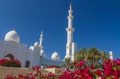 Μεγάλο μουσουλμανικό τέμενος στο Αμπού Ντάμπι UEA στοκ εικόνα με δικαίωμα ελεύθερης χρήσης