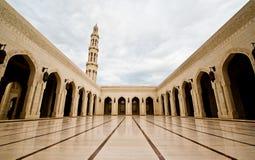 Μεγάλο μουσουλμανικό τέμενος Qaboos σουλτάνων Στοκ Εικόνες