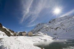 Μεγάλο πέρασμα Αγίου Bernard το χειμώνα στοκ εικόνα με δικαίωμα ελεύθερης χρήσης