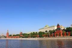 Μεγάλο παλάτι του Κρεμλίνου στη Μόσχα μια ηλιόλουστη ημέρα Στοκ εικόνα με δικαίωμα ελεύθερης χρήσης