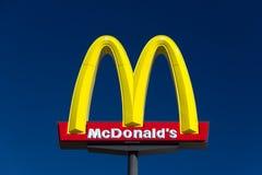 Μεγάλο σημάδι της McDonald's Στοκ φωτογραφίες με δικαίωμα ελεύθερης χρήσης