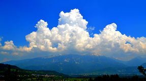 Μεγάλο σύννεφο στοκ φωτογραφία