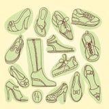 Μεγάλο σύνολο διαφορετικών παπουτσιών επίσης corel σύρετε το διάνυσμα απεικόνισης χέρι σχεδίων νεολαίες γυναικών εσώρουχων πρωινο Στοκ Φωτογραφίες