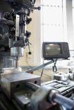 Μεγάλο τρυπάνι με τα βαριά μηχανήματα Στοκ εικόνες με δικαίωμα ελεύθερης χρήσης
