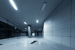 Μεγάλο υπόγειο εσωτερικό σε μια πόλη Στοκ Εικόνες
