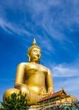 μεγάλο χρυσό άγαλμα του &Bet στοκ φωτογραφία
