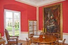 Μεγάλο δωμάτιο στο παλαιό σπίτι φέουδων στοκ εικόνες