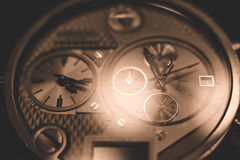 Μεγάλο wristwatch με τους πολλαπλάσιους πίνακες Στοκ εικόνα με δικαίωμα ελεύθερης χρήσης