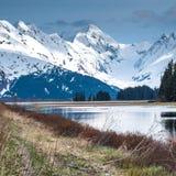 Μεγαλοπρεπές τοπίο της Αλάσκας στην άνοιξη στοκ εικόνα