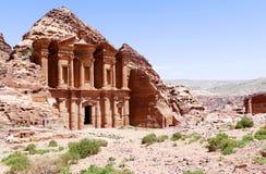 Μεγαλοπρεπής αγγελία Deir ` άποψης το μοναστήρι ` στη Petra, Ιορδανία Στοκ φωτογραφία με δικαίωμα ελεύθερης χρήσης
