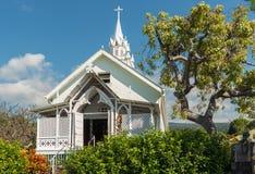 ΜΕΓΑΛΟ ΝΗΣΙ, ΧΑΒΑΗ, ΗΠΑ - 28 ΔΕΚΕΜΒΡΊΟΥ 2013: Χρωματισμένη εκκλησία στο Χ Στοκ Εικόνες