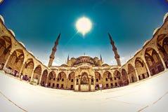 Μεγαλοπρεπές μπλε μουσουλμανικό τέμενος, fisheye, Ιστανμπούλ, Τουρκία Στοκ Εικόνες