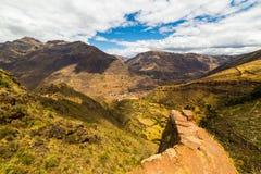 Μεγαλοπρεπές τοπίο της ιερής κοιλάδας από Pisac, Περού Στοκ Εικόνες