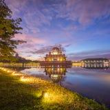 Μεγαλοπρεπής ανατολή στο μουσουλμανικό τέμενος Putra στοκ εικόνες