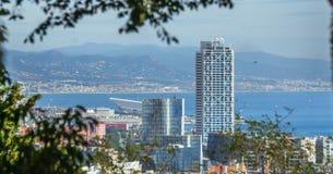 Μεγεθυμένη άποψη της πόλης της Βαρκελώνης και της ακτής της Ισπανίας Στοκ εικόνα με δικαίωμα ελεύθερης χρήσης