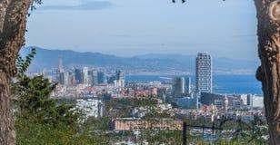 Μεγεθυμένη άποψη της πόλης της Βαρκελώνης και της ακτής της Ισπανίας Στοκ φωτογραφία με δικαίωμα ελεύθερης χρήσης