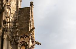 Μεγεθυμένη στον πυροβολισμό της πλευράς του καθεδρικού ναού του Λίνκολν στοκ εικόνα