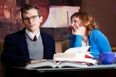 μελέτη σπουδαστών γέλιο&upsi Στοκ φωτογραφία με δικαίωμα ελεύθερης χρήσης