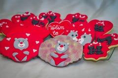 Μελόψωμο βαλεντίνων με τις γάτες και τις teddy αρκούδες Στοκ εικόνα με δικαίωμα ελεύθερης χρήσης