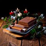 Μελόψωμο σοκολάτας με την πλήρωση Στοκ φωτογραφίες με δικαίωμα ελεύθερης χρήσης