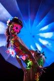 Μεμβρανοειδής τοποθέτηση κοριτσιών nude με το καμμένος UV σχέδιο Στοκ Εικόνες