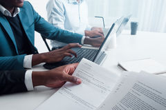 Μεμονωμένη επιχειρησιακή διαβούλευση για τις επιχειρήσεις Στοκ εικόνα με δικαίωμα ελεύθερης χρήσης