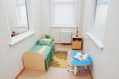 Μεμονωμένος θάλαμος σε ένα παιδιατρικό νοσοκομείο Στοκ Εικόνα