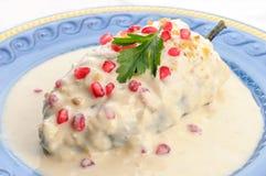 Μεξικάνικα τρόφιμα nogada Chiles EN στοκ εικόνες
