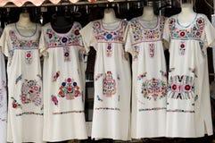 Μεξικάνικα φορέματα Στοκ εικόνα με δικαίωμα ελεύθερης χρήσης