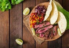 Μεξικάνικα fajitas για την μπριζόλα βόειου κρέατος Στοκ Φωτογραφία