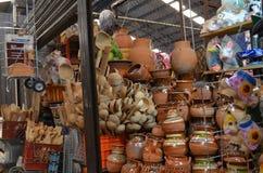 Μεξικάνικη αγορά, Cholula, Πουέμπλα, Poat φιαγμένο από άργιλο στην πώληση Στοκ εικόνα με δικαίωμα ελεύθερης χρήσης