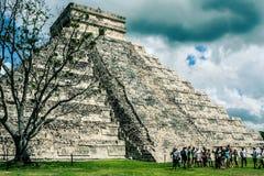 Μεξικάνικη πυραμίδα, το κάστρο Ναός Kukulkan το itza Στοκ εικόνα με δικαίωμα ελεύθερης χρήσης