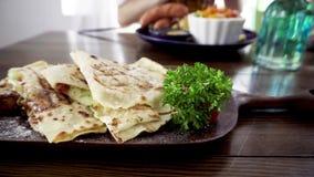 Μεξικάνικο χορτοφάγο quesadilla απόθεμα βίντεο